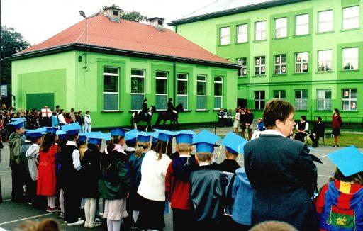 1999 r. Święto patrona szkoły, pasowanie uczniów klas pierwszych.